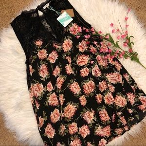 NWT Umgee floral lace flowy floral dress
